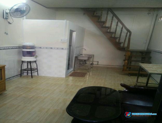Nhà 1 trệt 1 lầu 50m2 nguyên căn, F11, Q. BT gần chợ, siêu thị, bệnh viện, trường ĐH Văn Lang.