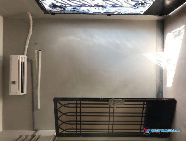 Cho thuê phòng 25m2 có cửa sổ, Ban Công,Máy Lạnh,Giờ giấc tự do,ở được 2 đến 4 người, Đ/c 97 Phú Hòa