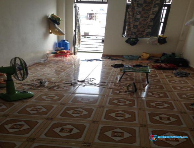 Cho nam và vợ chồng thuê phòng p13.q10