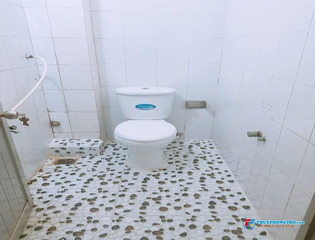 Nhà nguyên căn 1 trệt 2 lầu Nguyễn Văn Quá