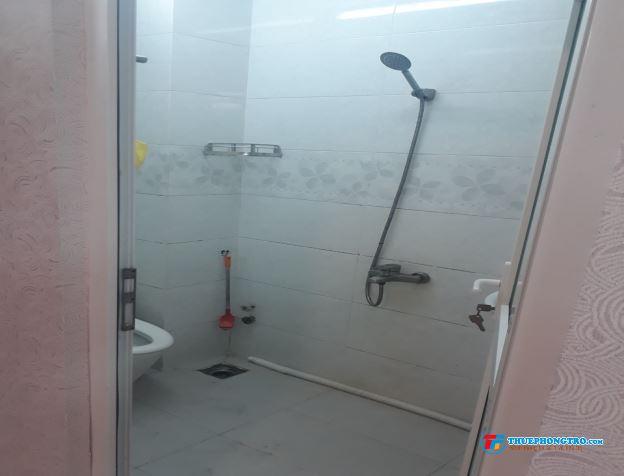 Cho thuê phòng trọ có ban công cửa sổ thoáng máy hẻm 101 Gò Dầu trung tâm Quận Tân Phú.