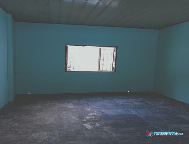 Phòng mới sạch sẽ. Mặt tiền đường cộng Hòa
