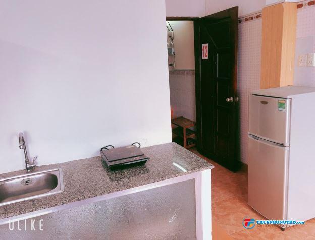 Phòng trọ Quận 11, đầy đủ nội thất, giờ tự do, toilet riêng, nấu ăn riêng, có thang máy