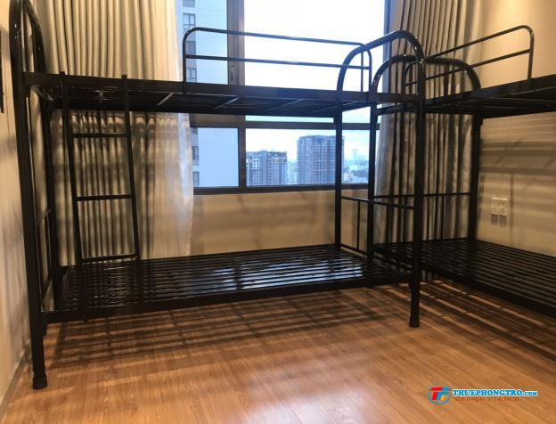 Nhường giường trong chung cư Gold View, quan 4