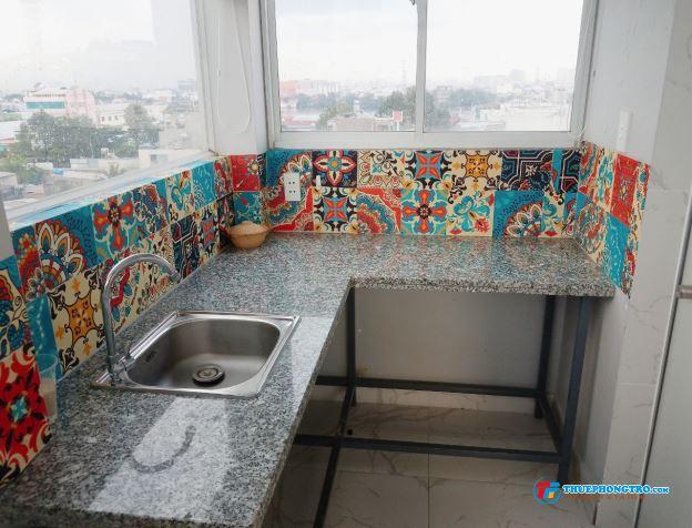 Phòng trọ Bình Thạnh, nội thất cơ bản, toilet riêng, nấu ăn riêng, giờ tự do, có hầm xe miễn phí