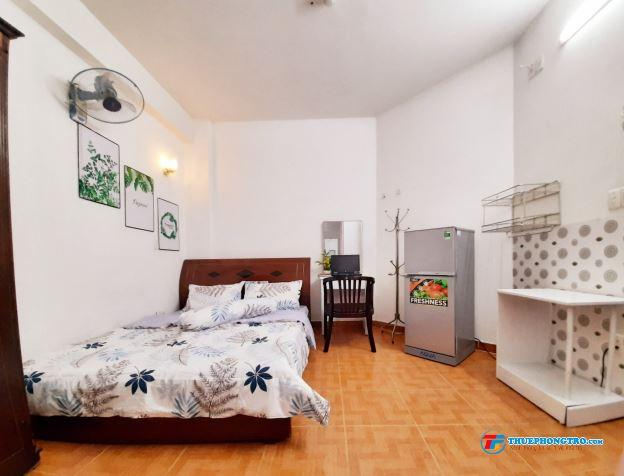 Cho thuê phòng máy lạnh full tiện nghi, mặt tiền Cộng Hòa, giá cực rẻ