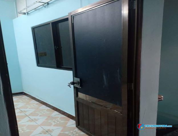 Phòng mới xây dựng thoáng mát,sạch sẽ, mặt tiền đường Phạm Văn Xảo Tân Phú