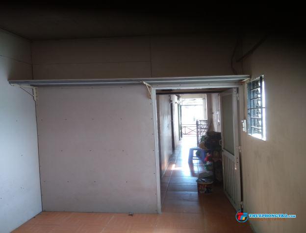 Phòng cho thuê 12m2, WCR, LĐR, giờ tự do, để xe miễn phí ,Wifi, gần chợ và BV