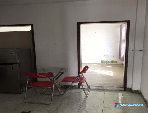 Chính chủ cho thuê nhanh phòng CHDV Full nội thất 35m2 mặt tiền Trần Quang Khải Q1