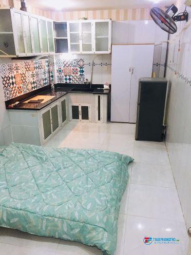 Phòng Tầng Trệt Tiện Nghi ngay đường CMT.8 gần cv Lê Thị Riêng