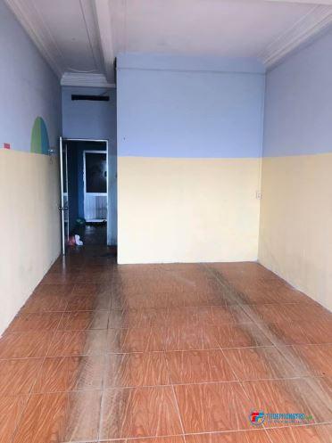 Cho thuê phòng ngã 4 bảyhiền,40m2 giá 3tr8/th, thang máy,tolet riêng,giờ tự do,0902950673