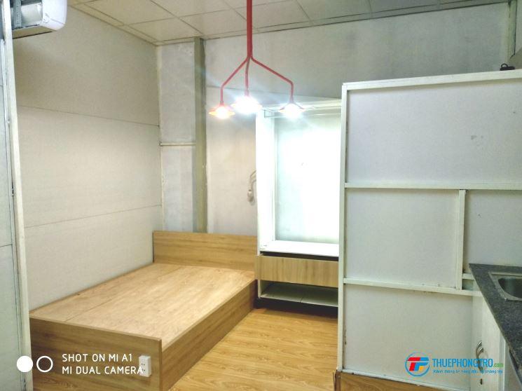 Phòng trang bị nội thất rộng rãi, thoáng mát song song Lê Văn Hiến