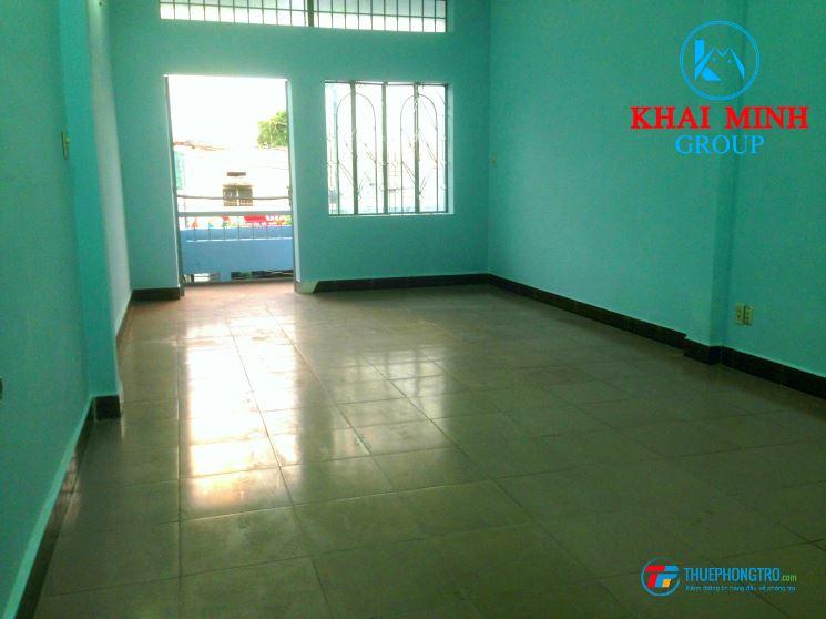 Phòng rộng 40m2, có BAN CÔNG cực thoáng, 42 Chu Văn An, giảm 10%