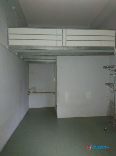 Phòng 18m2, có gác, kệ bếp, tiện về Tân Bình