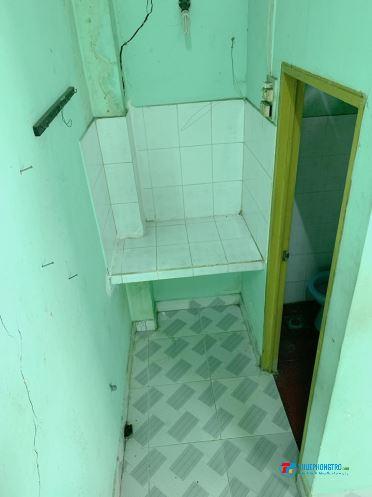Phòng trọ tầng trệt gác lửng Phạm Văn Chí Q6 15m2