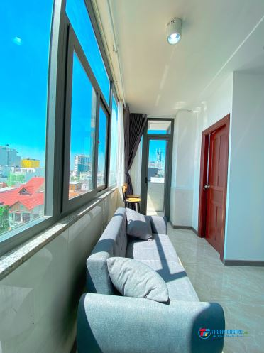 Cho thuê căn hộ 2 phòng ngủ, 50m2, cửa sổ ban công thoáng mát, Tân Bình