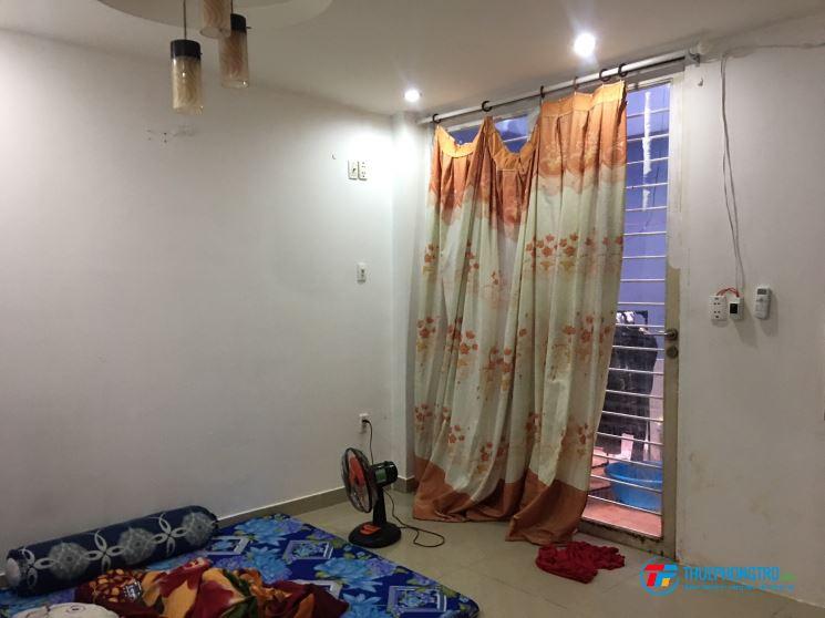 Phòng 20m2, cửa sổ WC trong gần Hoàng Diệu 2 cần cho thuê