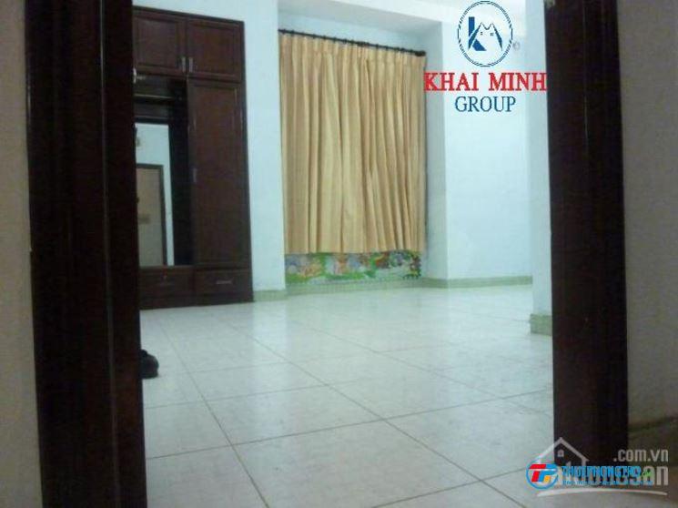 Phòng nằm trong nhà Biệt Thự sân vườn, 25m2, đường Bình Lợi, giá 3.2tr