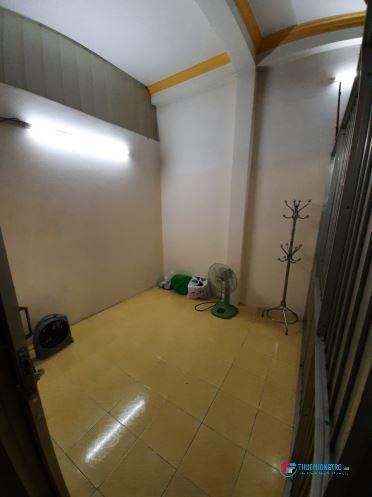 Phòng cho thuê thoáng mát, sạch sẽ, an ninh, chính chủ, gần công viên Đầm Sen