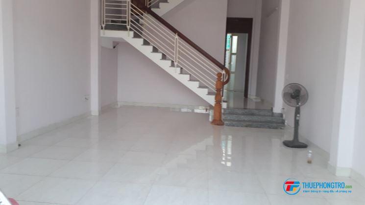 Cho thuê nhà phố 192 m2, phù hợp để làm văn phòng công ty, ở gia đình hoặc kinh doanh