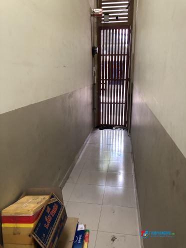 Cho thuê phòng (1/2 căn nhà) full nội thất, lối đi riêng