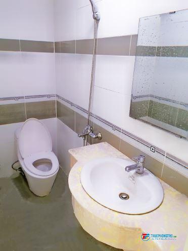 Phòng nhỏ mới xây 1 người ở,Ngay ngã 4 Lũy B.Bích-Thoại NgHầu,giá rẻ ưu tiên SV,mới tốt nghiệp,Hiền