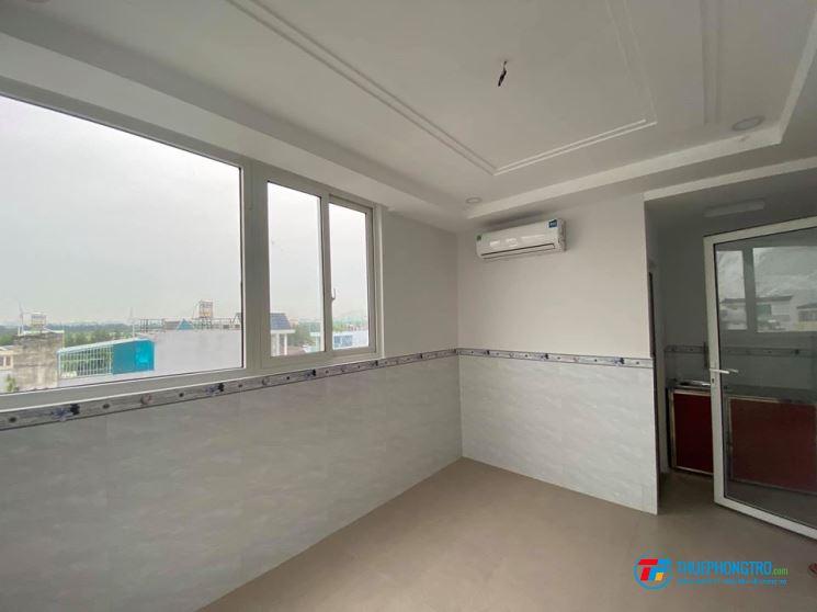 Phòng trọ mới xây 30m2 có ban công nội thất đơn giản giờ giấc tự do gò vấp