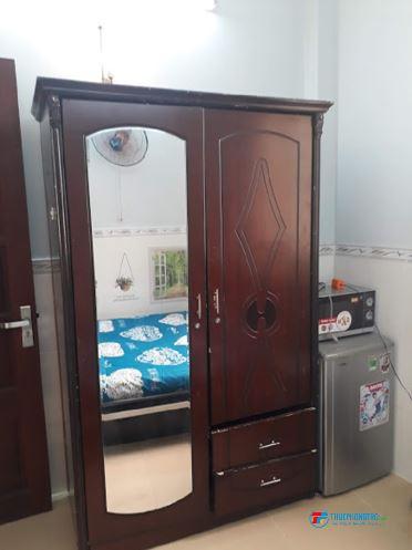 Cần cho thuê phòng máy lạnh Quận 4- 14m2. cửa sổ thoáng mát cho sinh viên và NVVP Thuê  -