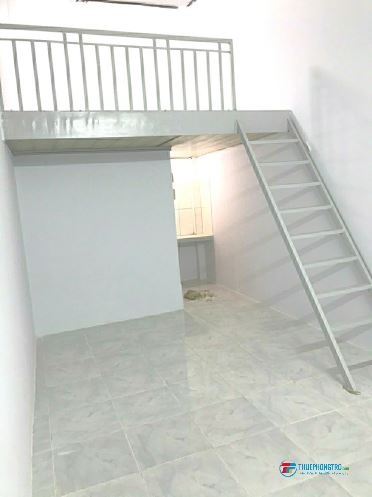 Phòng 40m2 có gác đúc , bếp, WC, nơi để xe có Bảo vệ, an ninh dân trí giá 3 triệu 400k