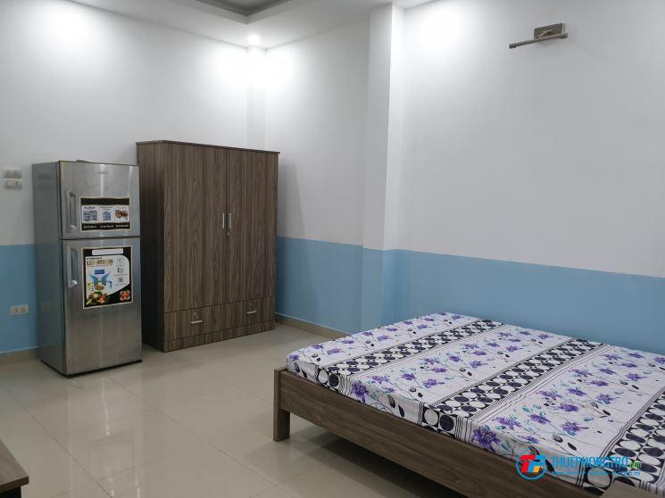 Cho thuê CHDV Full NT 30m2 đường Cộng Hoà P13 Tân Bình đối diên Etown