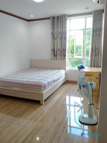 Phòng đẹp ở CC Hoàng Anh Gia Lai 3 đầy đủ tiện nghi, đến ĐH Tôn Đức Thắng  Rmit chỉ 5 phút