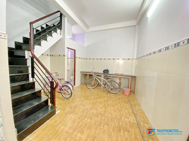 Cho thuê nhà 3 lầu  hẻm 791 Khu biệt thự Kiều Đàm, Trần Xuân Soạn, Q7