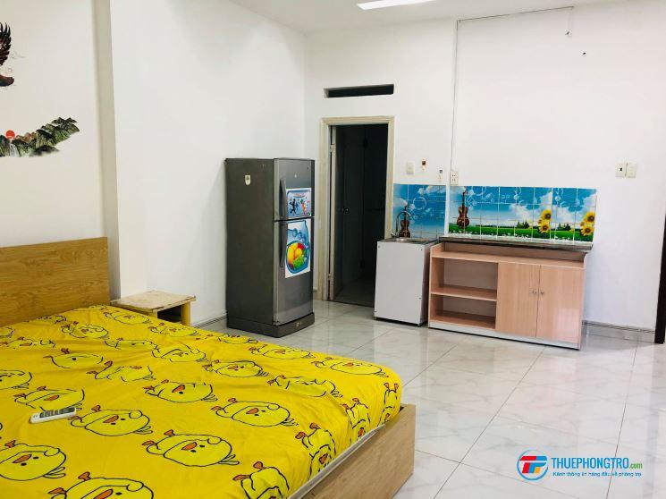Bình Thạnh còn phòng đẹp tiện nghi thoáng mát đủ nội thất gần bệnh viện ung bướu giá 5 tr