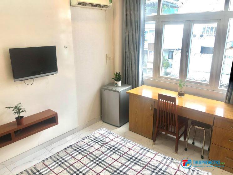 Phòng full nội thất gần công viên Lê Văn Tám