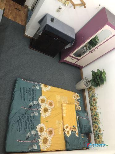 Phòng gần công viên Hoàng Văn Thụ, Sân Bay TSN giờ tự do 3,3tr/th