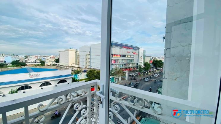 căn hộ dịch vụ mới 100% ngay đối diện Vincom Phan Văn Trị