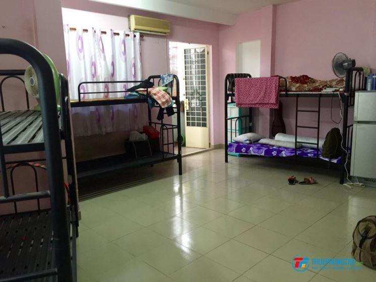 Phòng trọ quận 4, giá rẻ 700 nghìn/người/tháng, cho nữ SV 700.000 đ