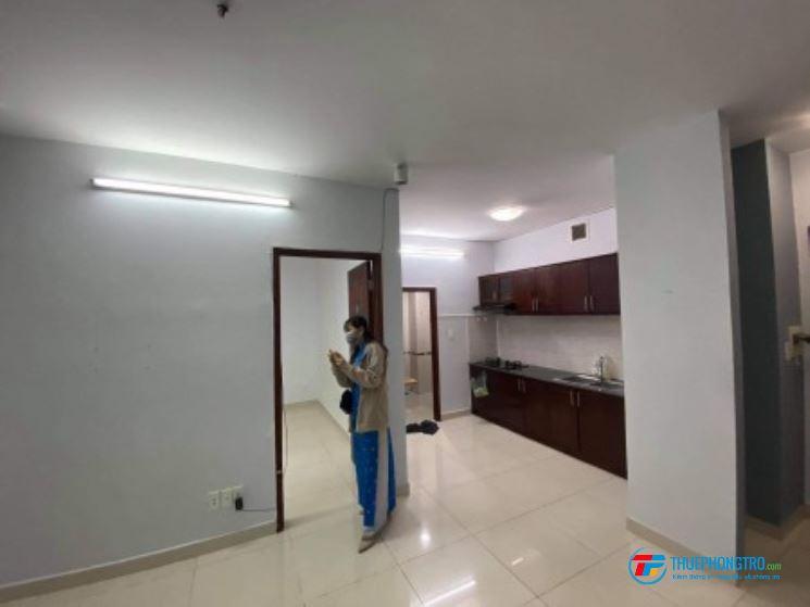 Cho thuê căn hộ Phú Thạnh 45m2 nội thất cơ bản (TV, Máy lạnh) 6tr/tháng