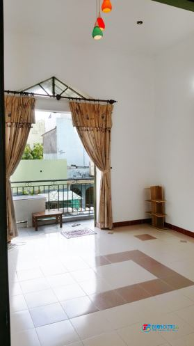 Phòng cho thuê, rộng rãi, vị trí đẹp, có ban công, Bình Thạnh