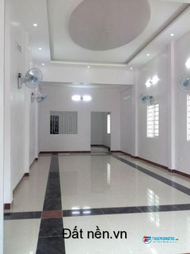cho thuê nhà mặt tiền Trương Quốc Dung Phú Nhuận 4x20 3 lầu sân thượng trông suốt giá 25tr