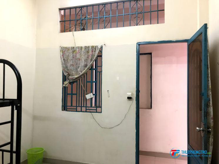 Phòng trọ trong nhà trọ 2 lầu mới xây, an ninh, có lối đi riêng, wifi.TH cáp