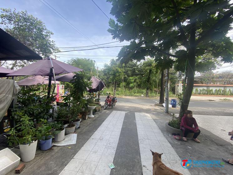 Phòng 20 m2 cửa sổ ban công tại 22 ALinh Trung cho thuê