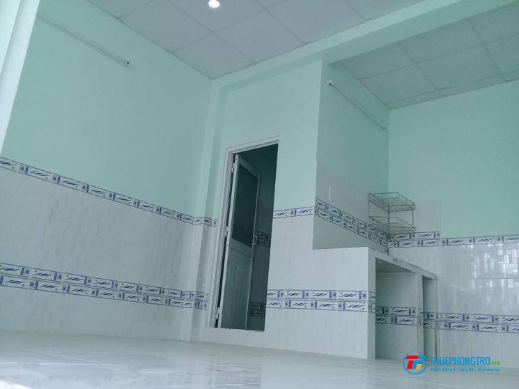 Phòng 25m2 , cmt8 ,giờ tự do,ban con ,cửa sổ,máy lạnh,wc,bếp 3t8