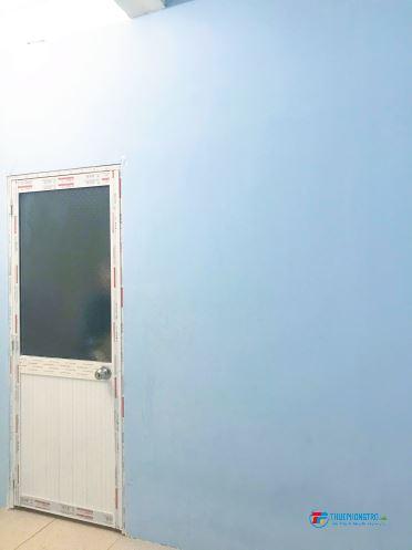 Phòng trọ Q10 sạch sẽ, có cửa sổ