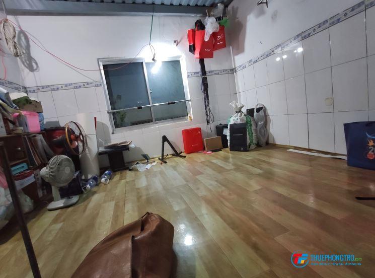 Nam ở ghép Bùi Văn Ba Quận 7 Khu chế xuất Tân Thuận