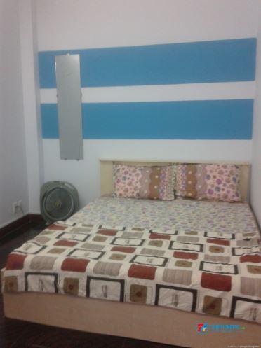 Phòng  lầu 1 mới đẹp,  thoáng mát đủ tiện nghi Q10, giá 3,5tr/th