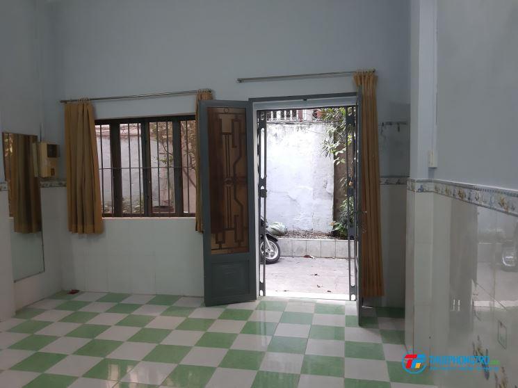 Nhà cho thuê nguyên căn đường Trần Quang Khải, Quận 1