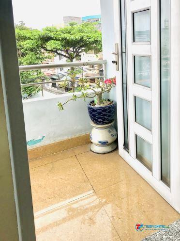 Phòng trọ BAN CÔNG WC RIÊNG gần Emart