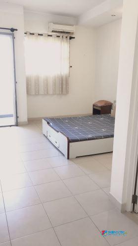 Cho thuê phòng đẹp , full nội thất , ban công gần đại học văn lang