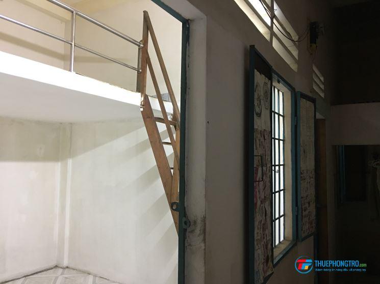 Phòng trọ trong nhà trọ 2 lầu, an ninh, sạch sẽ, có gác lửng, lối đi riêng, wifi, TH cáp